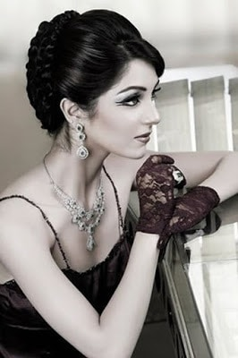 Actress-maya-ali-first-bold-photoshoot-for-fazal-jewellers-9