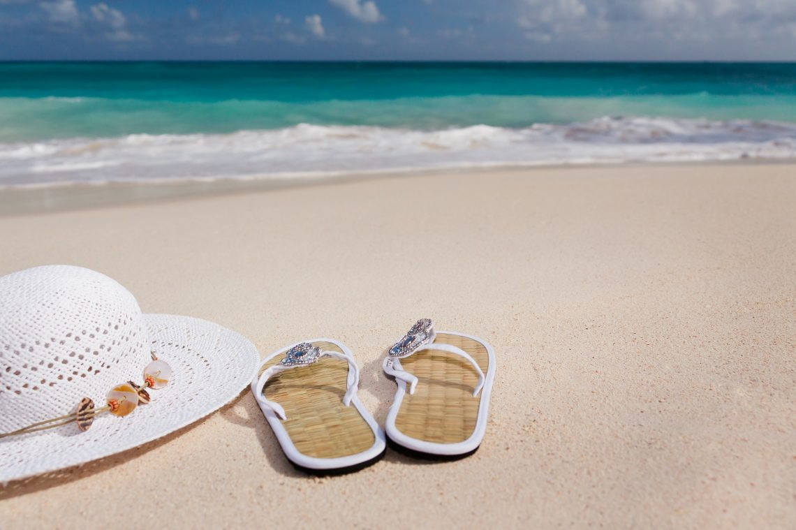3 Tips for When You're Choosing Travel Sandals to Pack for Your Vacation