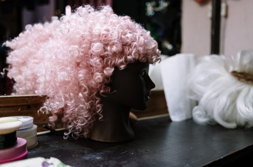 How can you tell a good quality wig?
