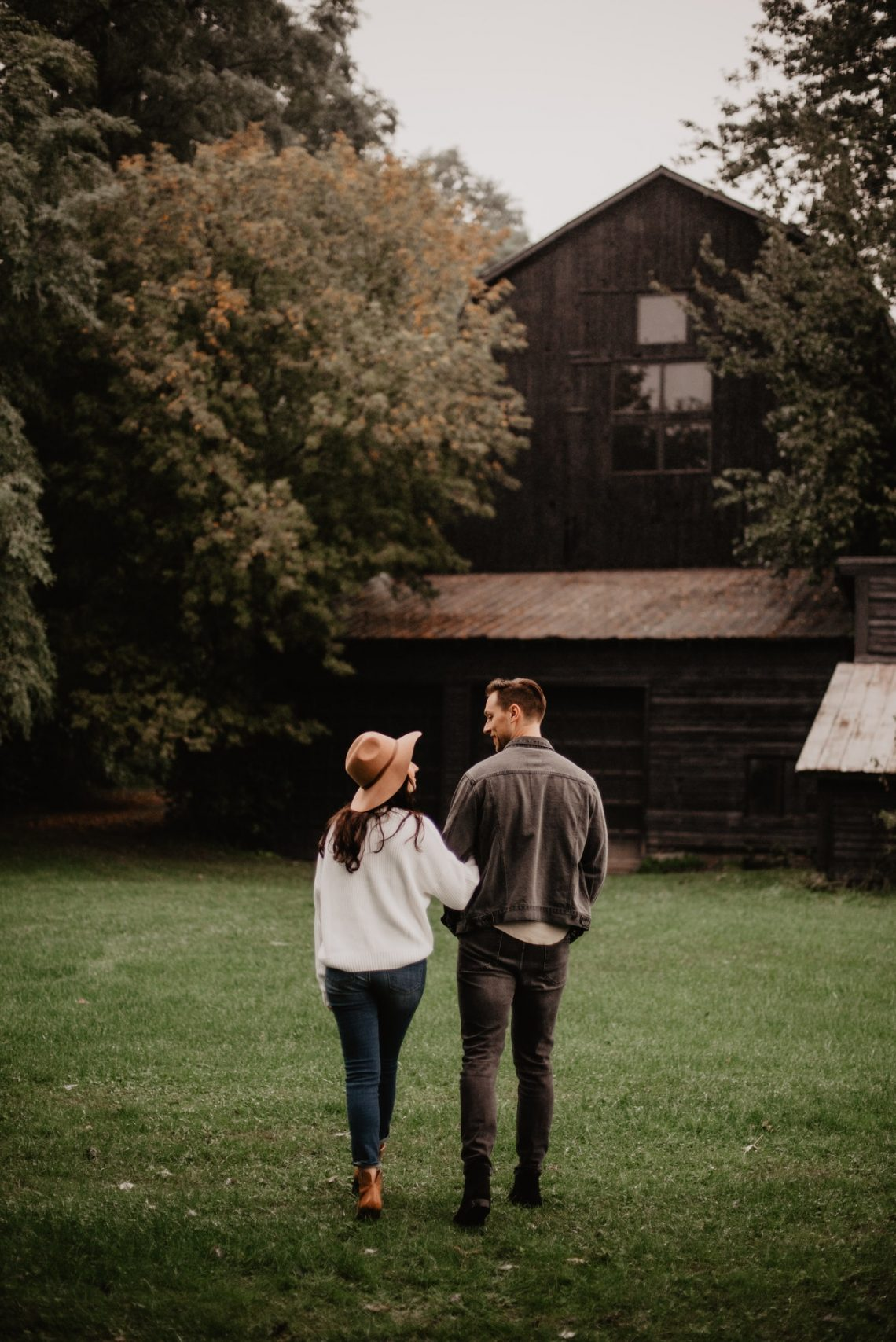 Best Romantic Fall Date Ideas to Make the Most of the Season